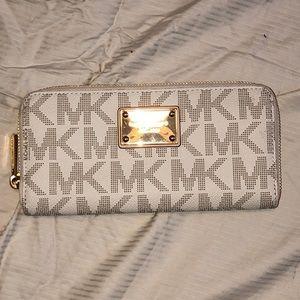 White/Gold MK jetset wallet